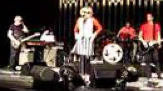 Blondie - One Way Or Another (Live) (06/06/08) plus Minkie and Ronnie Toast!