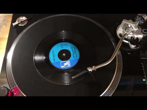 Creedence Clearwater Revival / Who'll Stop The Rain / 1970 vinyl / 24bit Audio / View In 1080p mp3