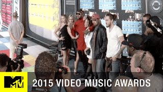 360 VR: Miley Cyrus & Her Family on the Red Carpet | MTV VMA 2015