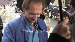 ralph fiennes   signing autographs at the toronto international film festival