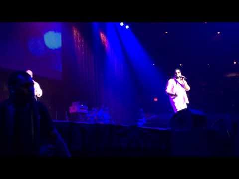 Boyz II Men performing
