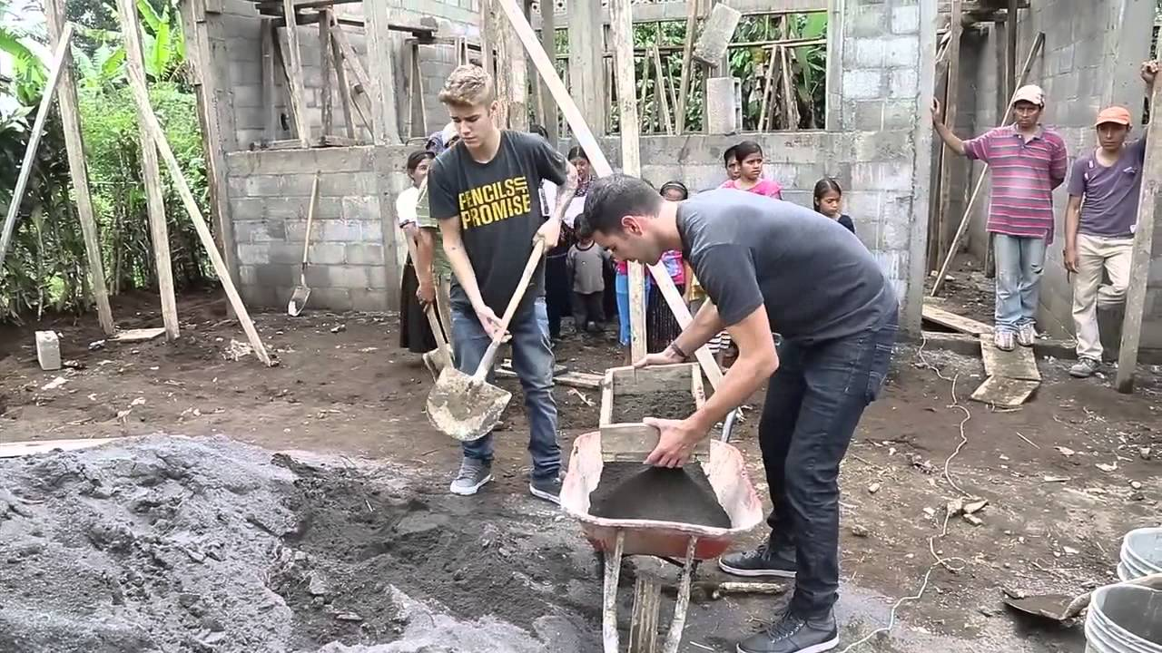 People tv justin bieber helps build school in guatemala for Help me build a house