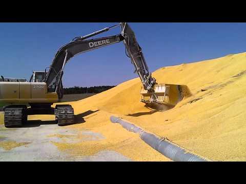 John Deere 270dlc Loading Corn Quot Speedloader Bucket Quot Youtube
