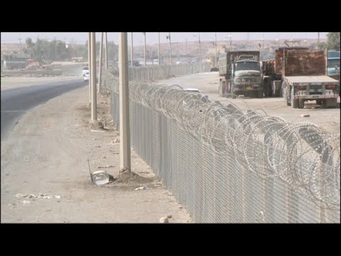 أخبار حصرية - سياج يحمها من خطر الصحراء .. هيت محصنة بأسلاك شائكة من #داعش  - 19:24-2017 / 11 / 22