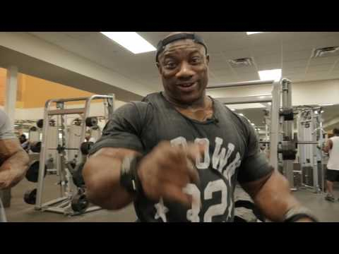 """Dexter """"The Blade"""" Jackson Smashing Arms At Mystery Gym + Behind The Scenes of DJC Memphis Pre Show."""