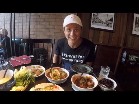 EATING THAI FOOD IN BANGKOK W/  MARK WIENS
