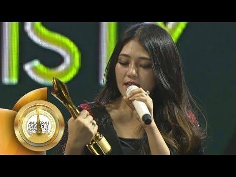 Via Vallen Rebut 2 Penghargaan! Penyanyi Dangdut Tersosmed dan Fanbase Tersosmed  - ADI 201