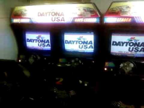 Daytona USA 6 Player Attract Mode