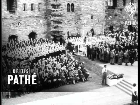 Queen Visits Caernarvon  (1953)