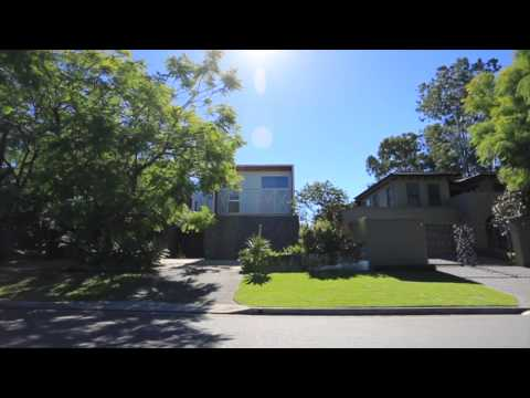 30 Orontes Road - Yeronga (4104) Queensland by Roger Carr