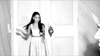 ariana grande's perfume commercial