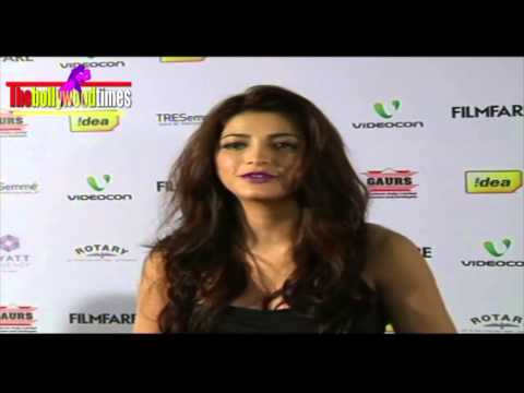 Shruti Haasan at the Filmfare Nomination Party Travel Video