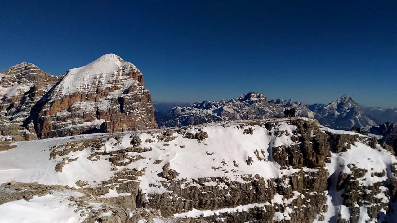 Panorama Rifugio Lagazuoi - terrazza sulle Dolomiti tra Cortina e ...