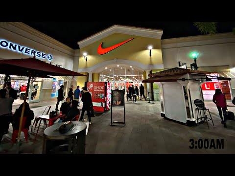 Shopping At The Nike Outlets At 2AM (Black Friday)