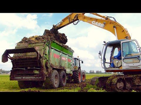 Claas Arion 550 w/ Bergmann TSW 5210 S spreading manure - Veerman Goudswaard