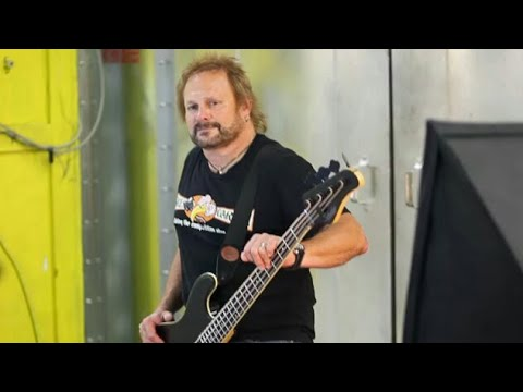 Is Michael Anthony One of The World's Great Bass Players?
