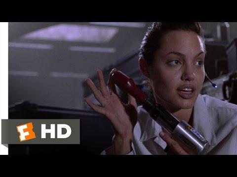Lara Croft: Tomb Raider (4/9) Movie CLIP - Garage Fight (2001) HD