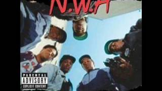 NWA - Straight Outta Compton + Lyrics