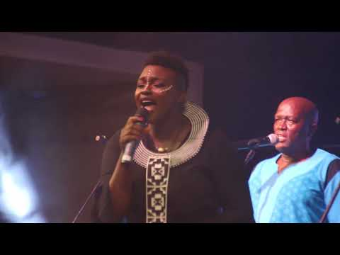 Lady Smith Black Mambazo ft Amanda Black   Heavens