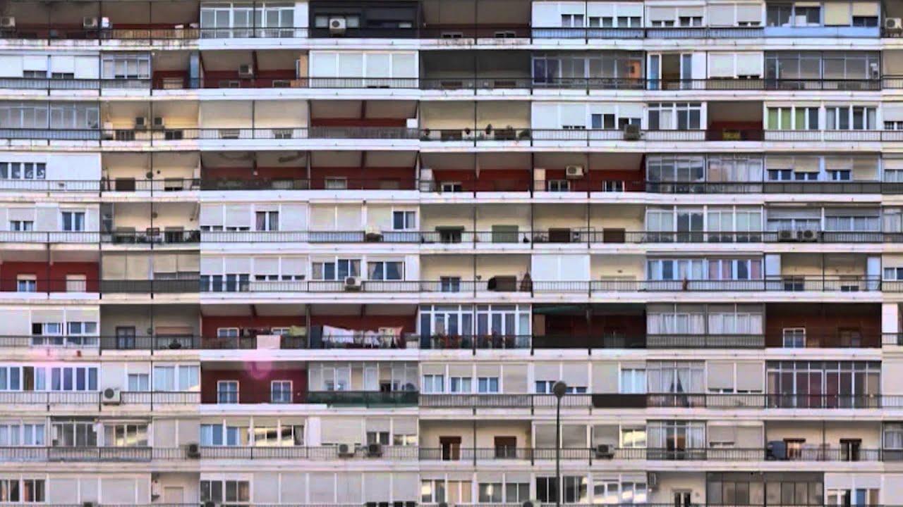 Resultado de imagen de fotografias de edificios de viviendas en barrios de Madrid