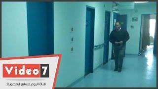 """بالفيديو.. شاهد غرفة """"سيف اليزل"""" بالمستشفى بعد تدهور حالته الصحية.. والزيارات ممنوعة"""