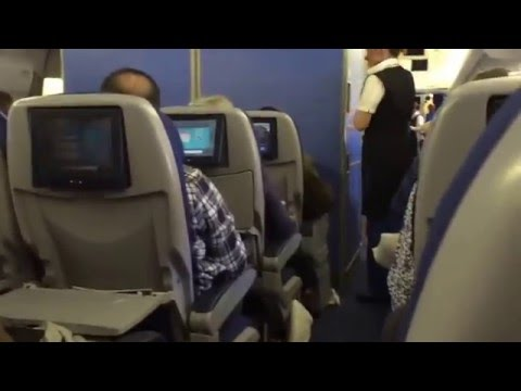 KLM B747-400 Economy LAX - Amsterdam New Years Eve - Kosher food