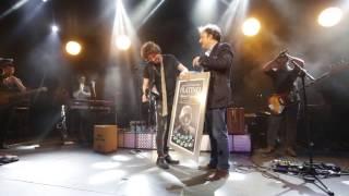 Manuel Carrasco - entrega quíntuple disco de platino