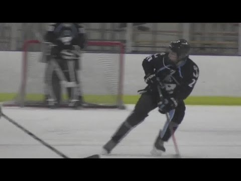 Grant Cruikshank, son of Bonnie Blair and Dave Cruikshank, commits to UW hockey team