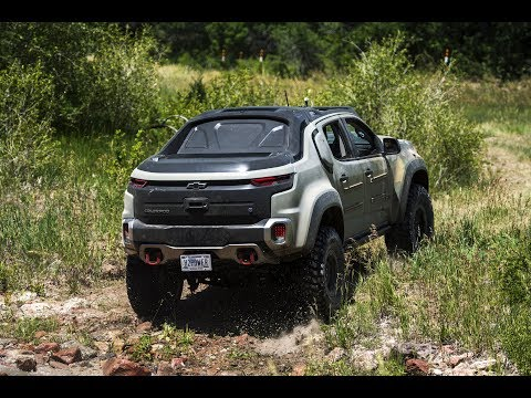 Riding off-road in the U.S. Army's Chevrolet Colorado ZH2 fuel-cell electric truck
