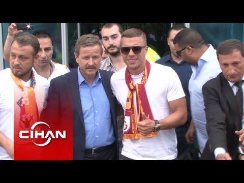 Lukas Podolski İstanbul'a geldi