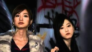 AKBとSKEの松井玲奈さんの写真集です。