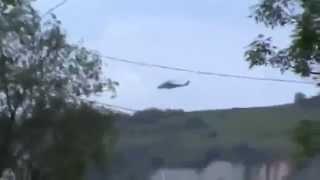 Repeat youtube video Славянск  Сбитый четвертый вертолет украинской армии  5 05 2014