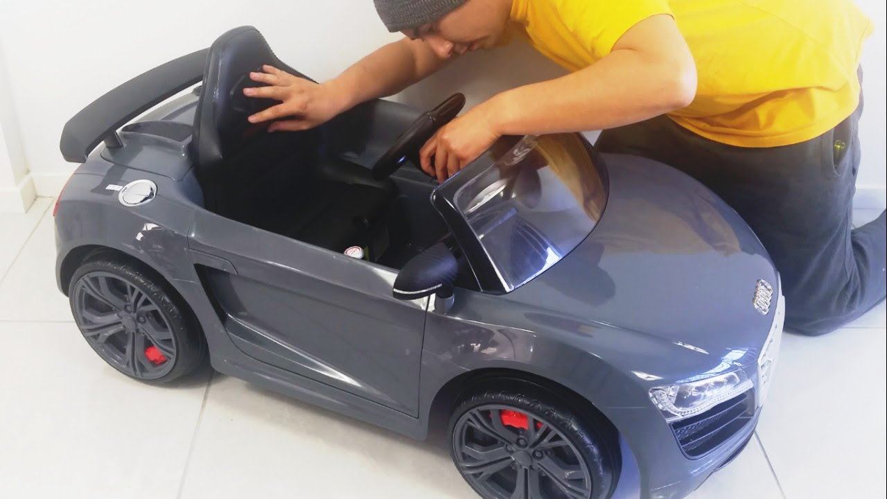 audi r8 gt spyder remote control ride on car toy by kid trax unboxing diy [ 1280 x 720 Pixel ]