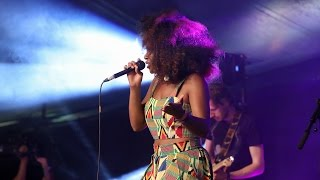 NAO - In The Morning (Glastonbury 2015)