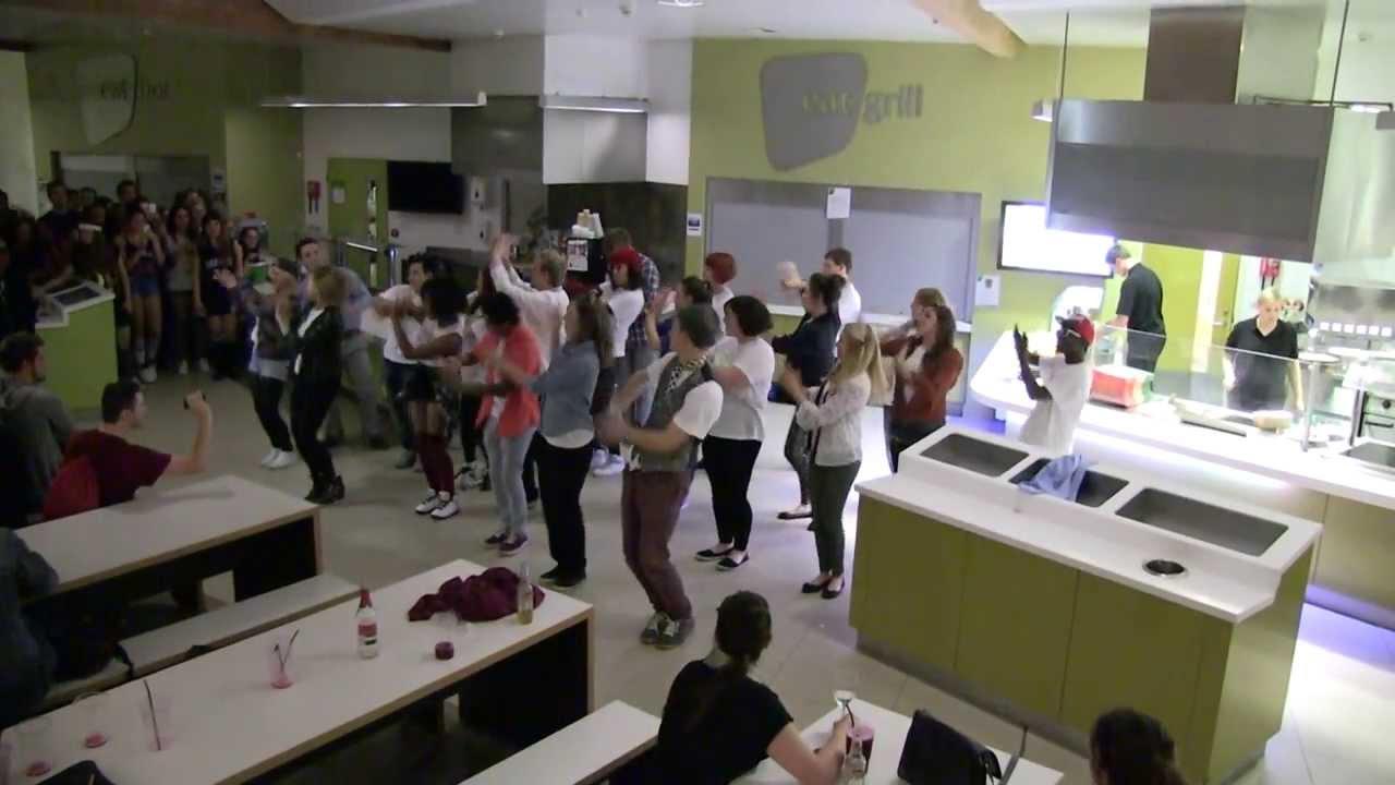 Flash Mob in Park Bar - RAG Reading - YouTube