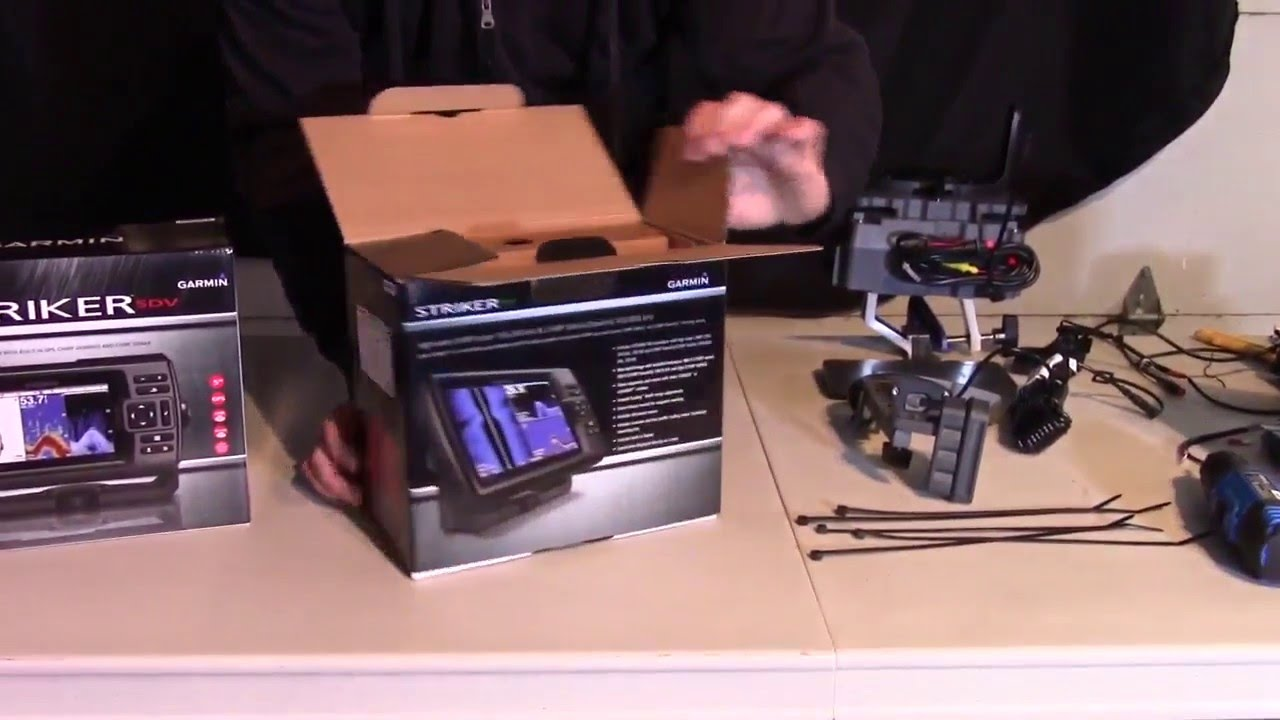 garmin striker 7sv unboxing and assembly [ 1280 x 720 Pixel ]