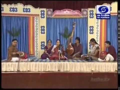 Lalitha Raghavan Violin 02 Rasikapriya Arul cheyya vendum ayya Koteswara Iyer