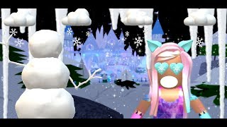 🎄It's the holiday season on Royale🏰High 🎄 [ ROBLOX FR]