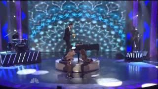 Màn đánh đàn piano có 1 không 2 trên thế giới
