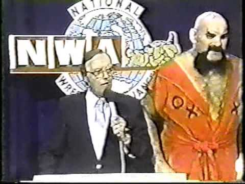 Ox Baker Laying down the law to Gordon Solie and Ron Garvin