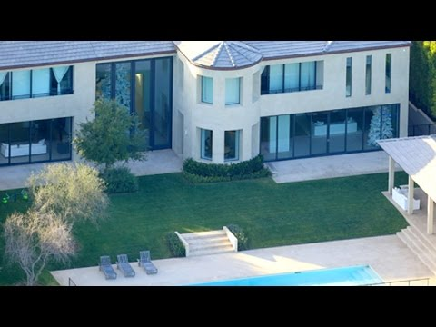 Kanye west resting at home in bel air youtube for Kanye west house address