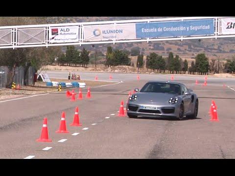 Porsche 911 Turbo S 2016. Maniobra De Esquiva (moose Test) Y Eslalon | Km77.com