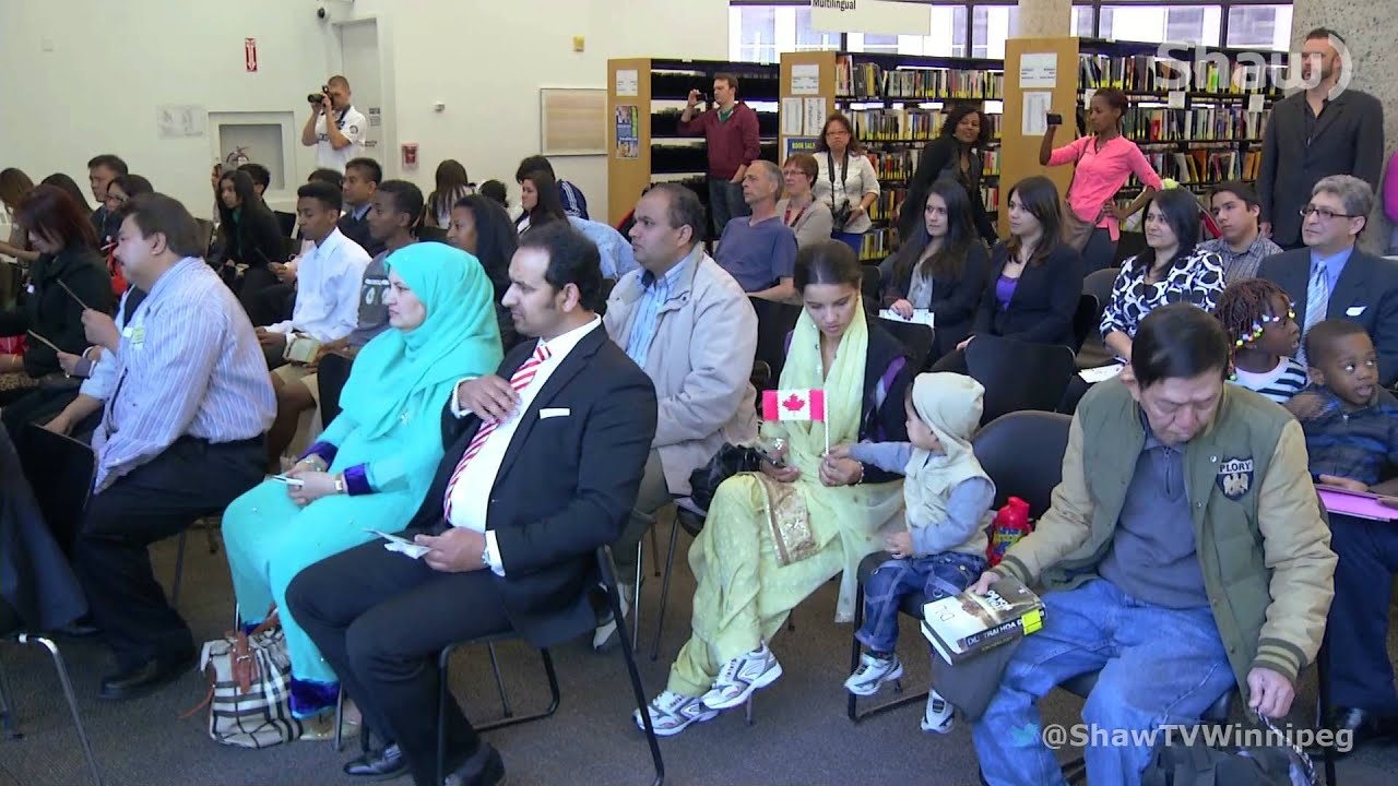 citizenship ceremony The us citizenship ceremony, also sometimes known as the oath ceremony, is the final stage of the us citizenship process in fact, it is at the us citizenship oath ceremony that you will become a citizen of the united states.