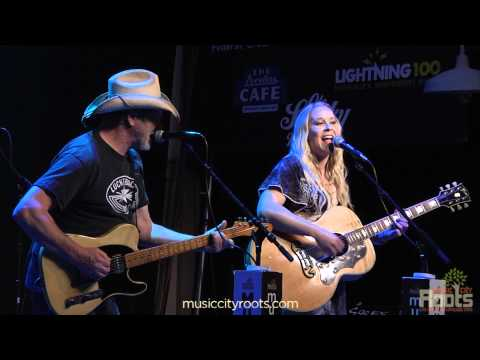"Catherine Britt ""Hillbilly Pickin' Ramblin' Girl"""