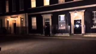 Chris Christie leaves from his visit with U.K. prime minister