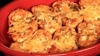 Gia's Kitchen: Cheesy Salsa Garlic Bread
