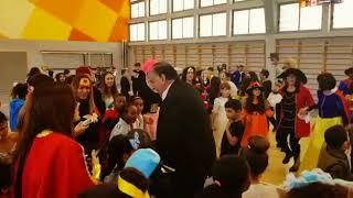 ראש העיר יונה יהב חוגג בפורים