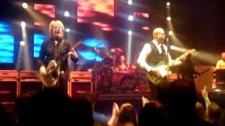 Status Quo-Caroline live at Bradford St Georges Hall 19th December 10