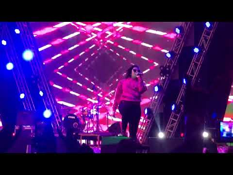 Illegal Weapon -Jasmine Sandlas live @ Jaipur  Gaana Crossblade