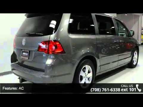 2010 Volkswagen Routan SE w/RSE & Navigation - Jabaay Mot...